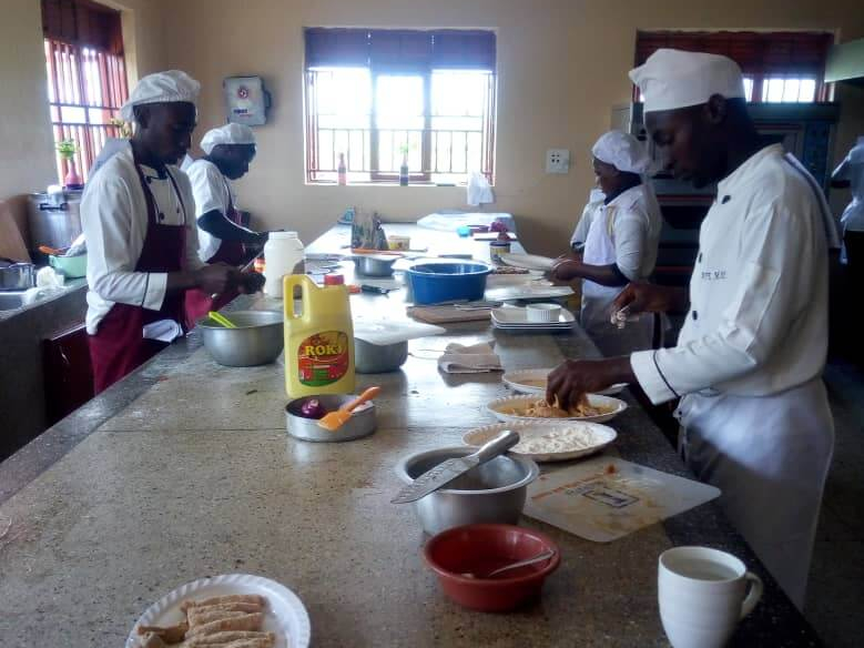 uganda_kehe cares_kitchen_learning to cook_healthy